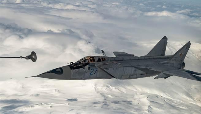 MiG-31攔截機。(圖/俄羅斯國防部)