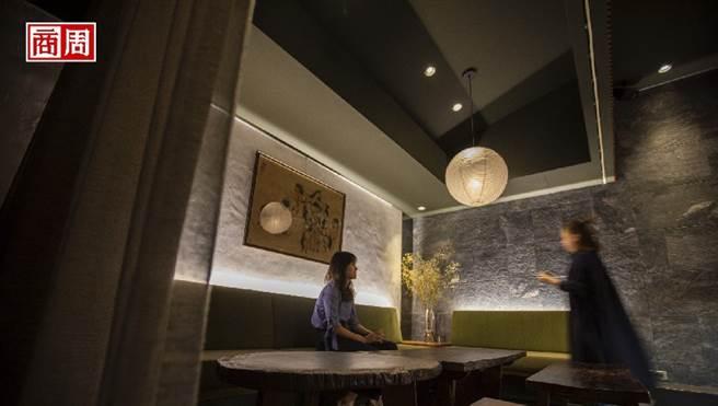 主理人劉明杰用茶與酒、設計與空間,詮釋心中的台灣,他的家鄉。(圖/郭涵羚攝)