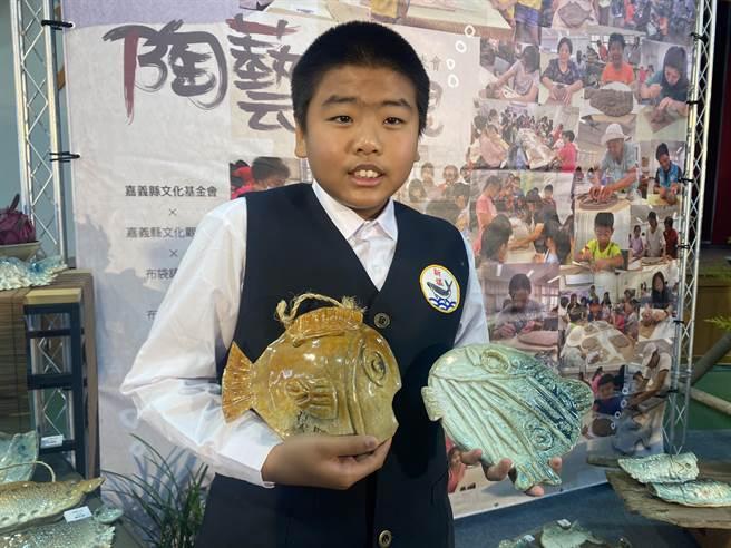 新塭國小五年級學生吳守白一圓上陶藝課的夢想。(張亦惠攝)