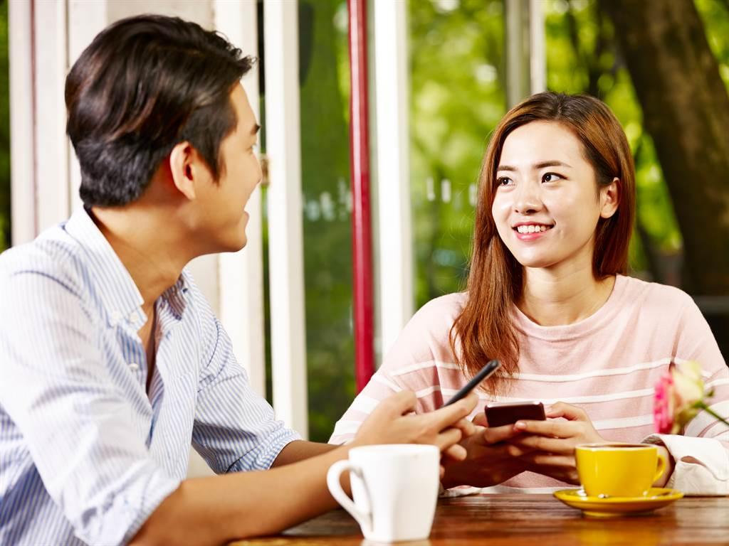 相親見面第一印象很重要,說話、體態都會成會成敗關鍵。(圖/示意圖,達志影像)
