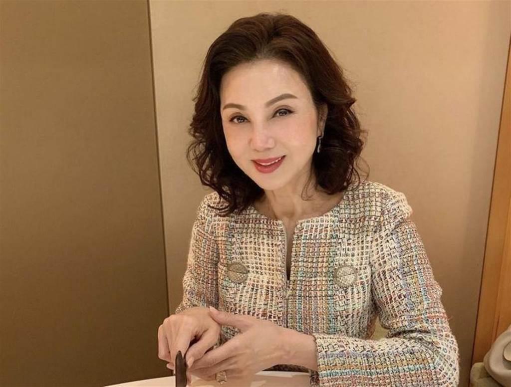 旅居香港的謝玲玲日前確診新冠肺炎。(摘自謝玲玲IG)