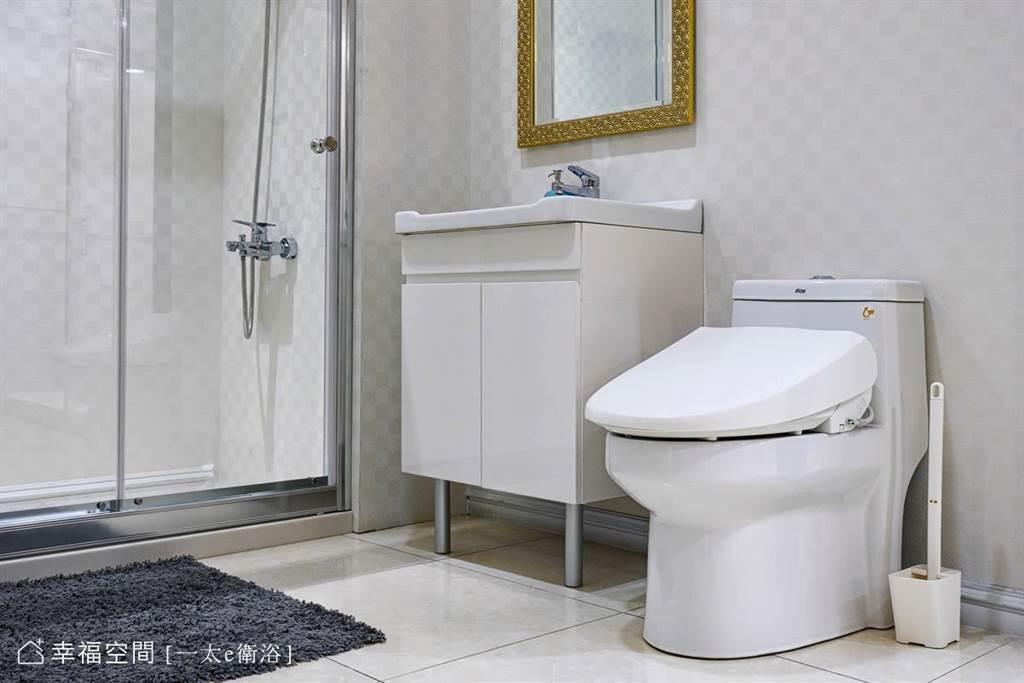 免治馬桶便作屬於電器產品,家中最好能作成乾濕分離格局。若沒有的話,須盡量避免讓商品潑到水。(攝影/柯善文)