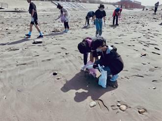 大安濱海樂園推廣淨灘 今年逾5000人清百噸垃圾