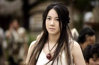 演藝圈傳奇女星 頂級男神甘願當小王 公開戀情才知早隱婚14年