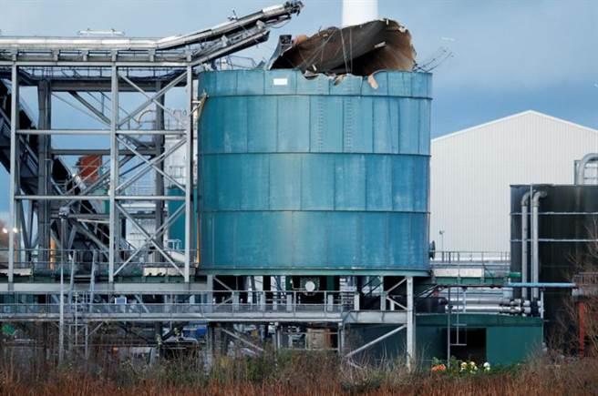 英格蘭布里斯托(Bristol)附近一間污水處理廠今天發生大爆炸,造成多人傷亡。(路透社)