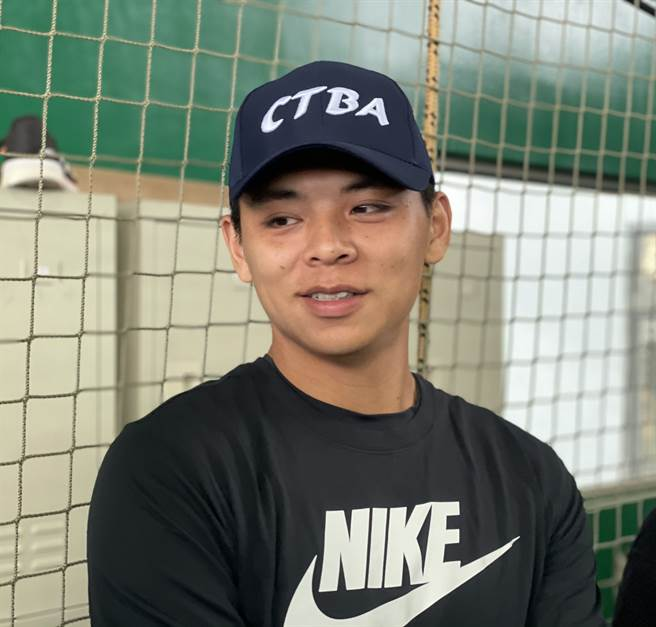 統一獅捕手陳重羽受邀擔任玉山投捕訓練營講師。(毛琬婷攝)