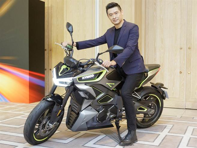 如果说SuperNEX是光阳在性能电动重机科技领先的概念图像,那么RevoNEX电动街跑则是此科技运用下、「最得我心」品牌理念的具体实现。它是划时代的东西,更是可实现的梦想,我们希望它能在2022年上市。(图/业者提供)