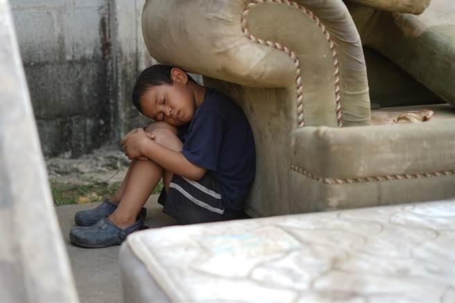 台灣世界展望會邀請社會大眾關懷受災居民與脆弱兒童,捐款響應飢餓三十人道救援行動。(台灣世界展望會提供/林良齊台北傳真)