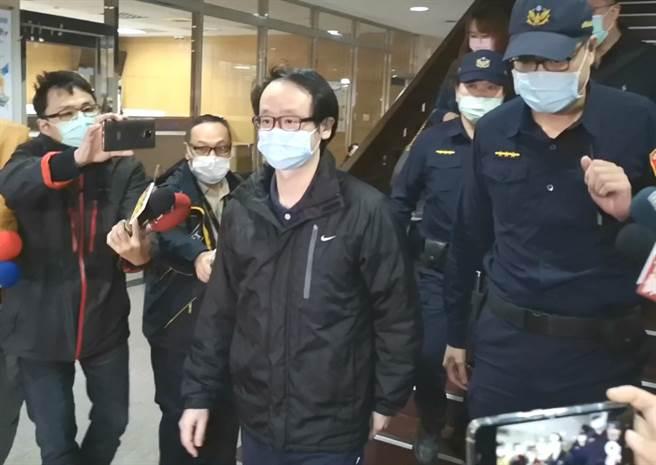 台北地院4日裁定陳超明辦公室主任梁文一以150萬元交保。(黃捷攝)
