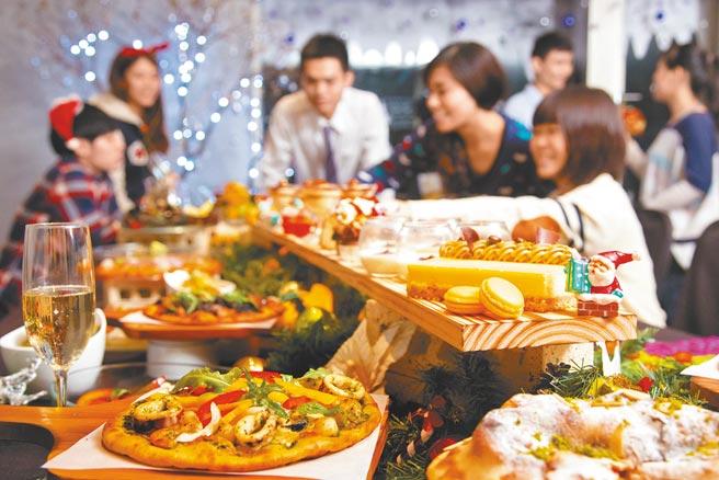晶華酒店旗下Buffet餐廳「義饗食堂」,祭出使用三倍券可享指定時段買1送1。(晶華酒店提供)