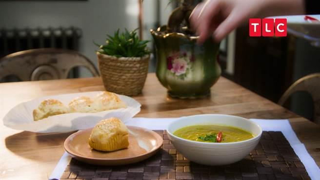 香料扁豆湯配烤玉米餅充滿加勒比海風情。