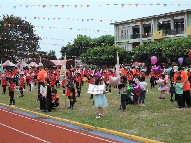 民和國小5日舉行創校百周年校慶暨運動會。(張毓翎攝)