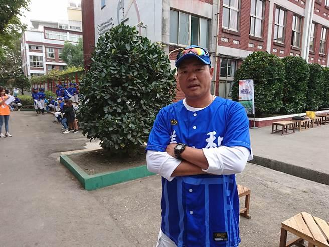 前兄弟象隊「振總」陳瑞振日前接下富邦悍將二軍首席教練一職。(廖德修攝)
