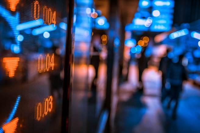 分析師認為,無須預測台股會漲到哪裡,或許未來它會達到的數字,將會遠遠超乎你的想像。(示意圖/達志影像/shutterstock)