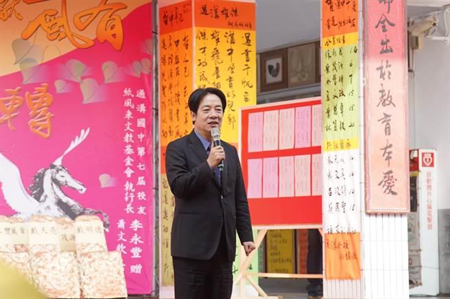 副總統賴清德親自到東石過溝國中祝賀學校生日快樂。(張亦惠攝)