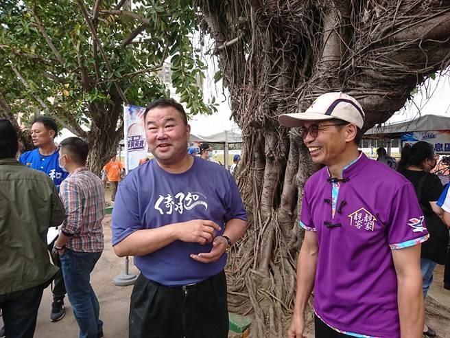 棒協副理事長趙士強(左)主張中職、棒協回歸一元化領導,右為客委會客家文化發展中心主任何金樑。(廖德修攝)