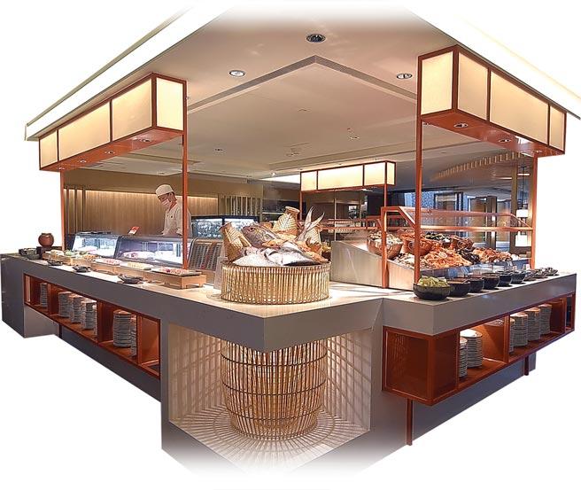 香格里拉台北遠東國際大飯店自助餐廳〈遠東Cafe'〉改裝,為迎合國人喜好,新設「海鮮餐檯」提供多樣蝦蟹魚貝海鮮供客人吃到飽。圖/姚舜