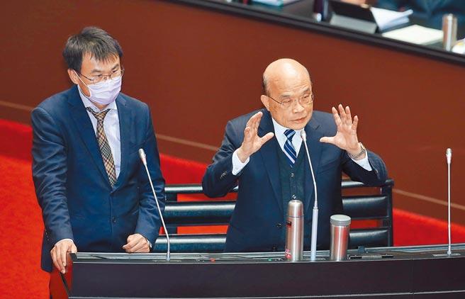 行政院長蘇貞昌(右)、農委會主委陳吉仲(左)在4日到立法院接受總質詢。(姚志平攝)