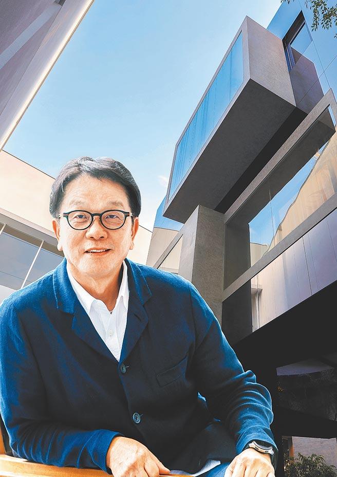 傳真機構董事長王明成。(業者提供)