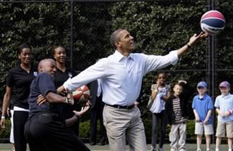 NBA》也是23號!歐巴馬球衣拍賣破詹皇紀錄