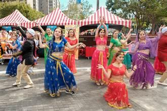 竹縣移民官大跳「寶來塢」舞蹈 圍觀遊客眼睛一亮
