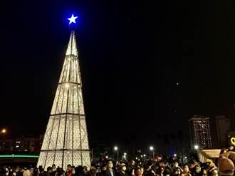 台南河樂廣場耶誕點燈 美聲歌手馬丁獻唱