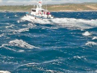 印尼漁工不適 海巡8天千浬送醫