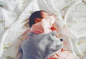 謝太太辛苦余文樂迎早產小仙女
