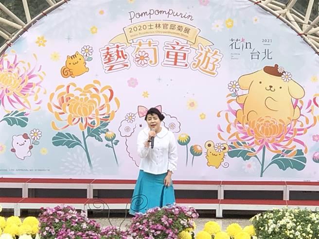 聲樂家簡文秀領銜「飄香的秋菊」音樂會,帶來多首動聽曲目。(李怡芸攝)