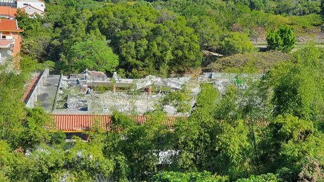 台灣民俗村今年初被新接手的地主產創業者,當時以迅雷不及掩耳速度拆除;如今早已大面積夷為平地。(摘自臉書「彰化踢爆網」/謝瓊雲彰化傳真)