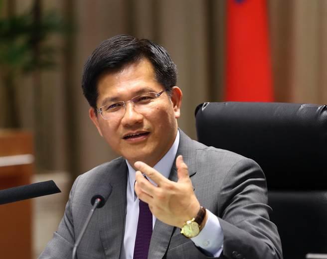 誰來挑戰台中市長盧秀燕?交通部長林佳龍6日說,距選舉還有2年多,民進黨會推出最優秀、有競爭力的人選。(盧金足攝)