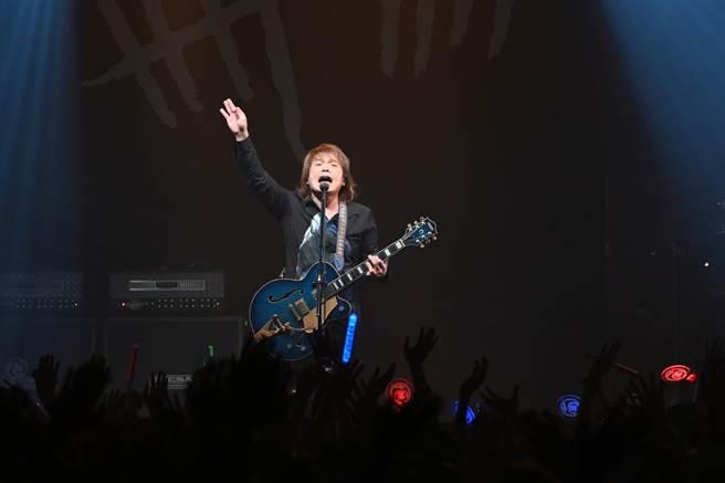 伍佰今晚在Legacy舉辦今夜伍佰9演唱會。(環球音樂提供)