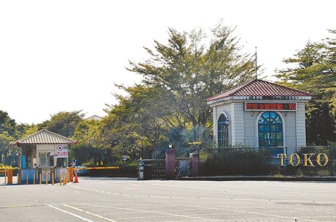 稻江科技暨管理學院今年剩200多名學生,平日上課時間看不到往來師生,有別昔日熱鬧景象。(呂妍庭攝)