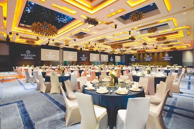 3F大宴會廳位於東館,為全台5星飯店首座挑高6.5公尺的無柱宴會廳。(新竹豐邑喜來登大飯店提供)