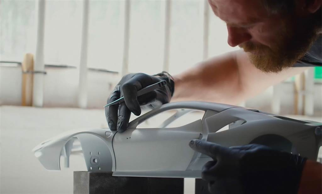 買實車可加購!Ferrari與Amargam合作推出SF90 Stradale超擬真1:8模型