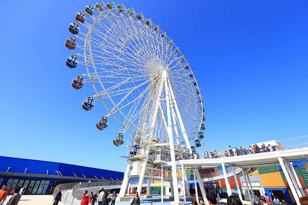 三井outlet擁有搭配港口設計的貨櫃市集、海港碼頭等特色元素,並有超過170家國內外知名品牌進駐。(陳世宗攝)