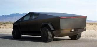 除了包膜,Cybertruck 還能加熱車體鋼材後創造令人驚艷的繽紛車色