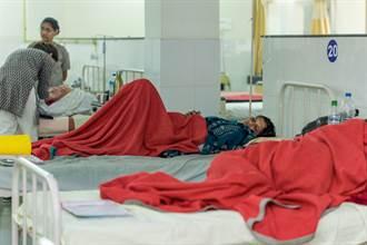 狂吐突然昏厥 印度爆神秘怪病 1死數百人送醫
