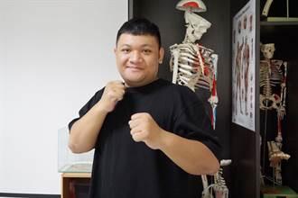 布農族大男孩考取健身證照 在校實習教大葉師生健身