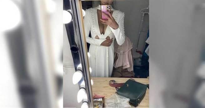 小美目前因疫情暫停她原有的貿易事業,擔任一家婚紗禮服公司的攝影模特兒。(圖/受訪者提供)