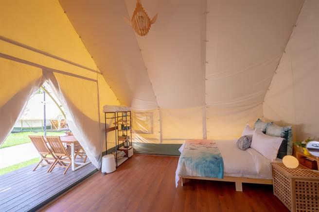 《向海那漾》邀請大家入住露營區,感受冬季濱海獨特節慶溫馨氣氛。(向海那漾提供/陳淑娥台中傳真)