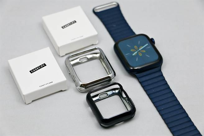 配件品牌Casetify有針對Apple Watch推出專屬保護殼,分42/38mm尺寸。(黃慧雯攝)