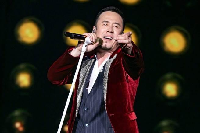 杨坤坚强的演唱功力,让他成为各大歌唱节目的常客 (图/ 杨坤微博)