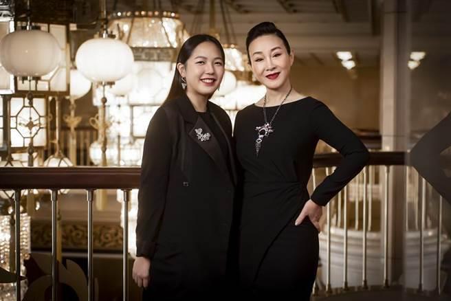 珠寶藝術JHENG(左)與梅派名伶魏海敏(右)跨界合作。圖/JHENG JEWELLERY提供