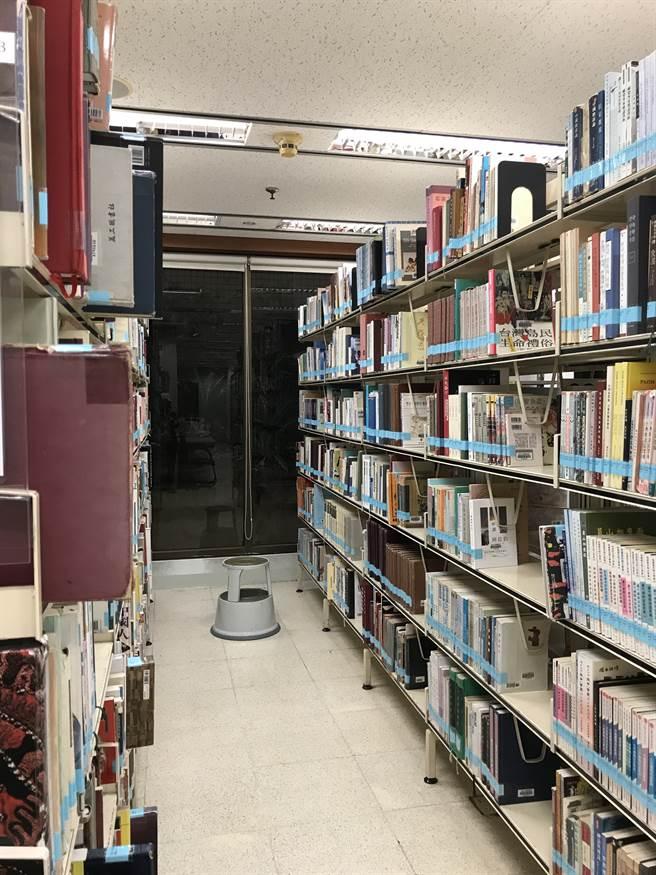 學校圖書館。(作者提供)
