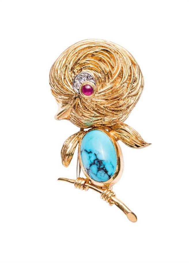 梵克雅寶Heritage典藏系列Oisillon胸針,1961年,紅寶石、綠松石、鑽石,67萬5000元。(Van Cleef & Arpels提供)