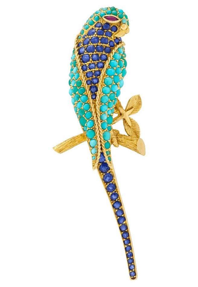 梵克雅寶Heritage典藏系列Perruche胸針,1962年,藍寶石、綠松石、紅寶石,283萬元。(Van Cleef & Arpels提供)