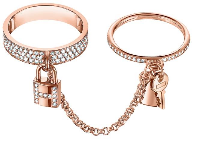 愛馬仕Kelly Clochette系列玫瑰金鑲鑽雙圈戒指,38萬700元。(HERMES提供)