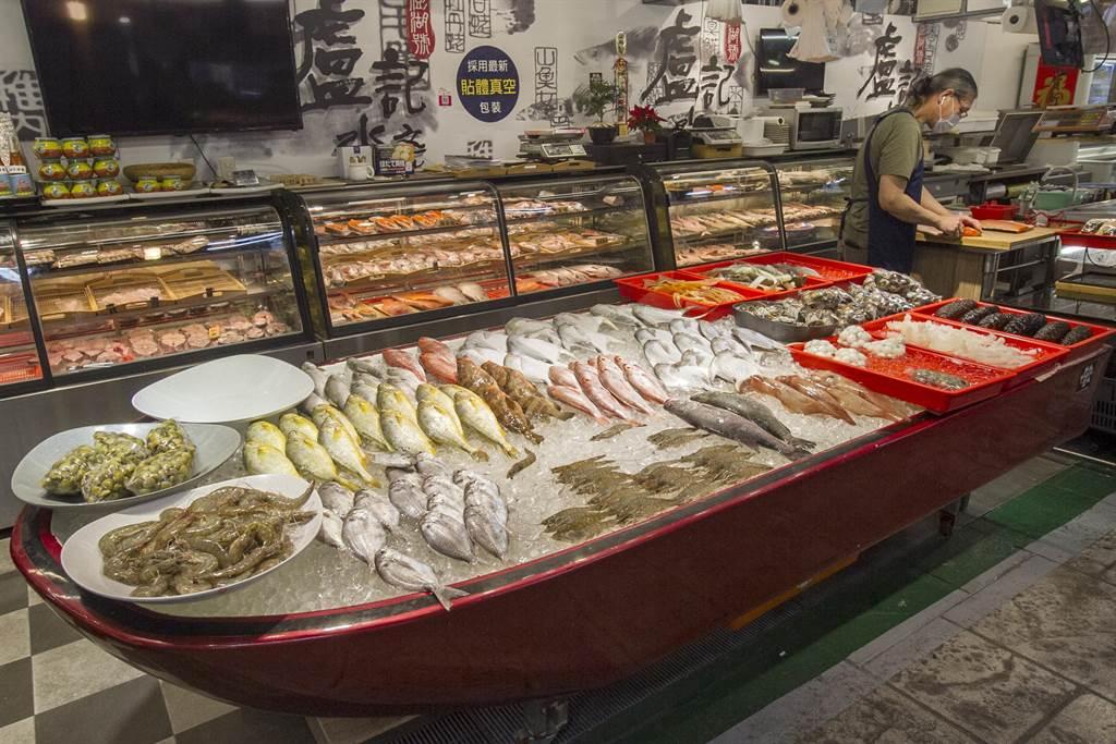 饞!海產「天下第一攤」進駐南門中繼市場,專業提供民眾採買「尚青」魚鮮。(台北市場處提供/吳康瑋台北傳真)