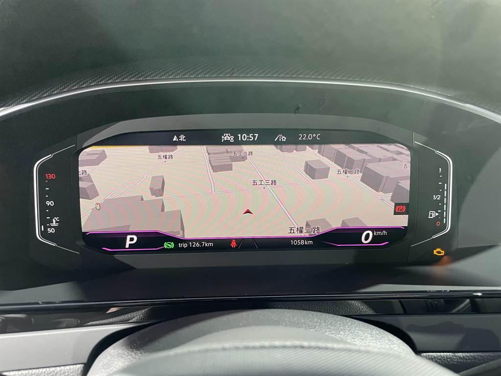全車系標配10.25吋數位儀表。